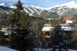 the-corral-at-breckenridge